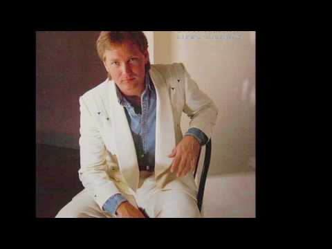 Steve Wariner – She's Crazy For Leaving – Country Music Weekly
